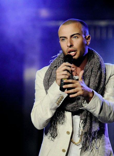 L._Singing