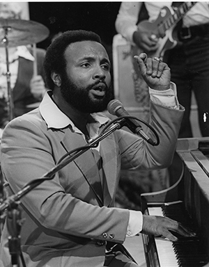 andrae-crouch_300